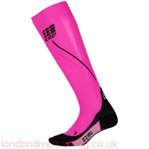 420916_CEP_PRO__RUN_2_0_COMPRESSION_PINK_BLACK
